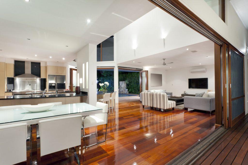 Elegant house with hardwood floor