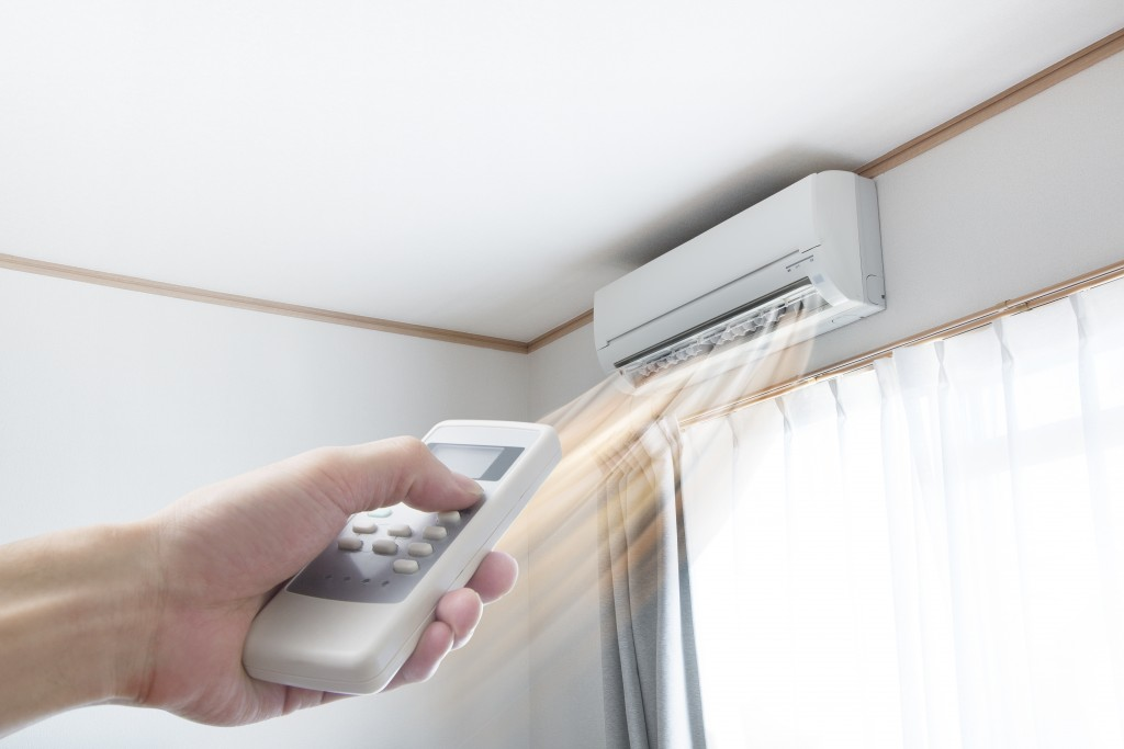 adjusting ac temperature